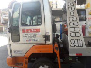 Caminhão Guincho Cargo 712 – 2008 c/ Asa Delta e Prancha de 5 metros