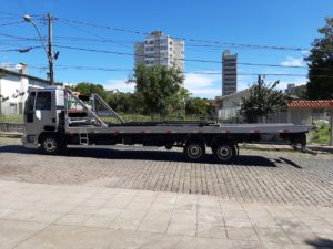 Ford Cargo 816 – Plataforma de 8,50 – Ano 2013 – Único Dono
