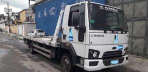 Caminhão Reboque Ford Cargo 816 –  Plataforma c/ asa delta, plataforma 6mts – Ano 2014 – Único Dono